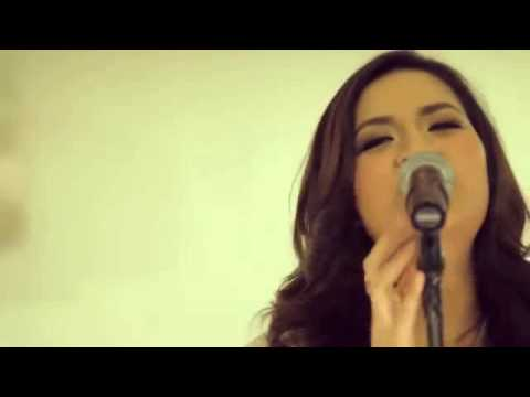 Raisa - Serba Salah (Official Video)