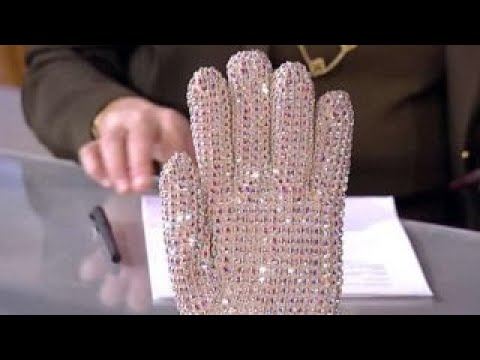 Michael Jackson's glove goes up for auction