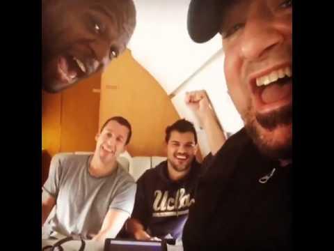 Taylor Lautner, Adam Sandler, Terry Crews e Frank Coraci gritam o nome do Brasil ao chegar a SP.