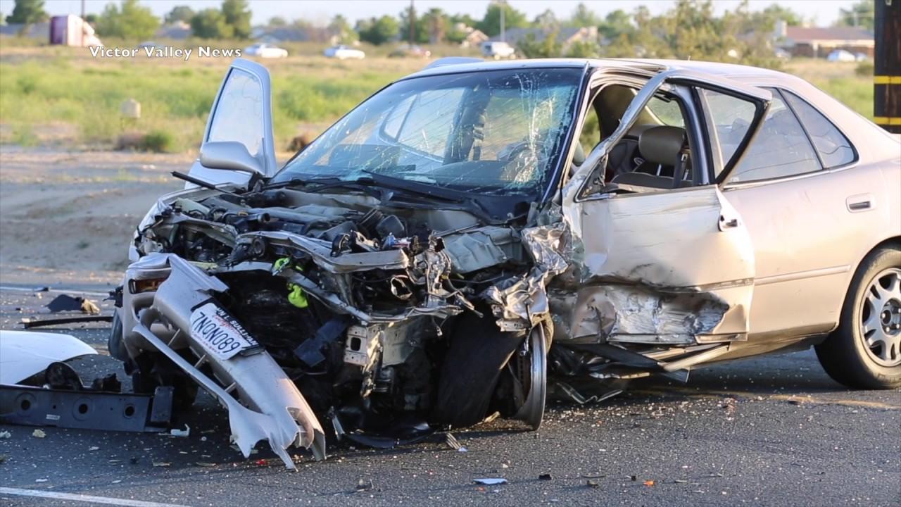 Download 4 People Injured in Highway 395 Crash