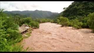 Crece Rio Mascota por Huracan Patricia Puente La Desembocada en Puerto Vallarta Jalisco
