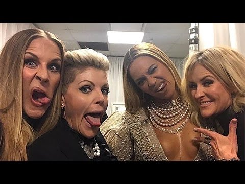 Beyonce & Dixie Chicks Receive Racist Backlash After CMA Performance