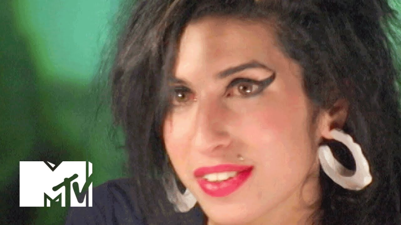 AMY WINEHOUSE  Popular singers amp performers who died an