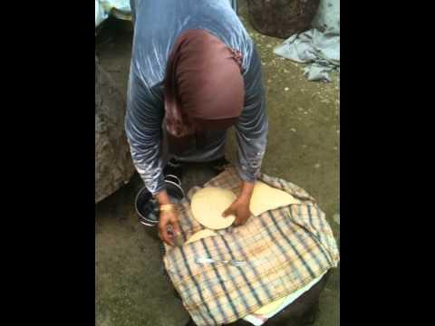 How to make traditional Tunisian bread - the Khobz Tabouna