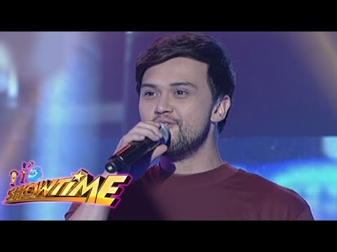 It's Showtime: Billy Crawford sings
