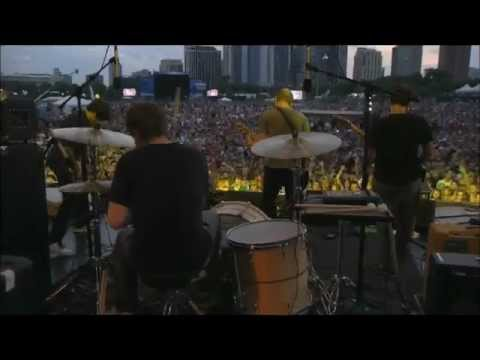 Explosions in the Sky - The Only Moment We Are Alone (Live at Lollapalooza 2011)