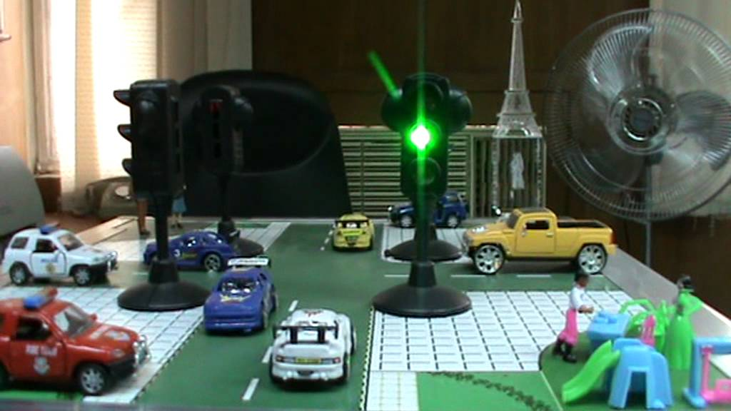 how to make a traffic light model using electricity