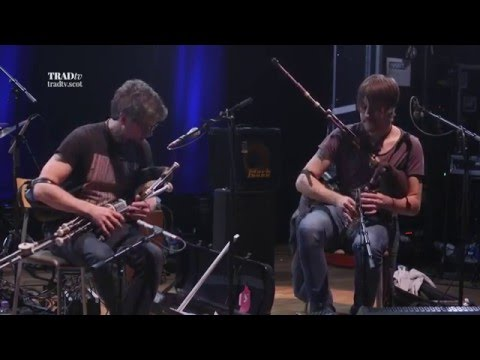 Ross Ainslie and Jarlath Henderson perform The Mountain Streams... live at the Tolbooth