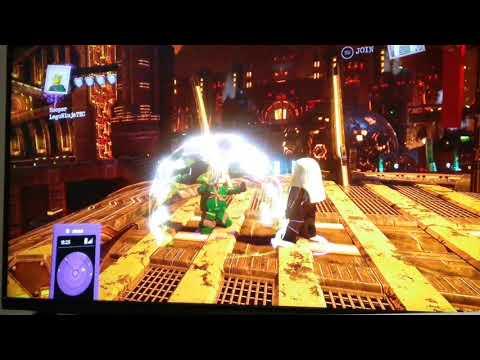 Lego ninjago lloyd VS harumi but lego DC super villains version