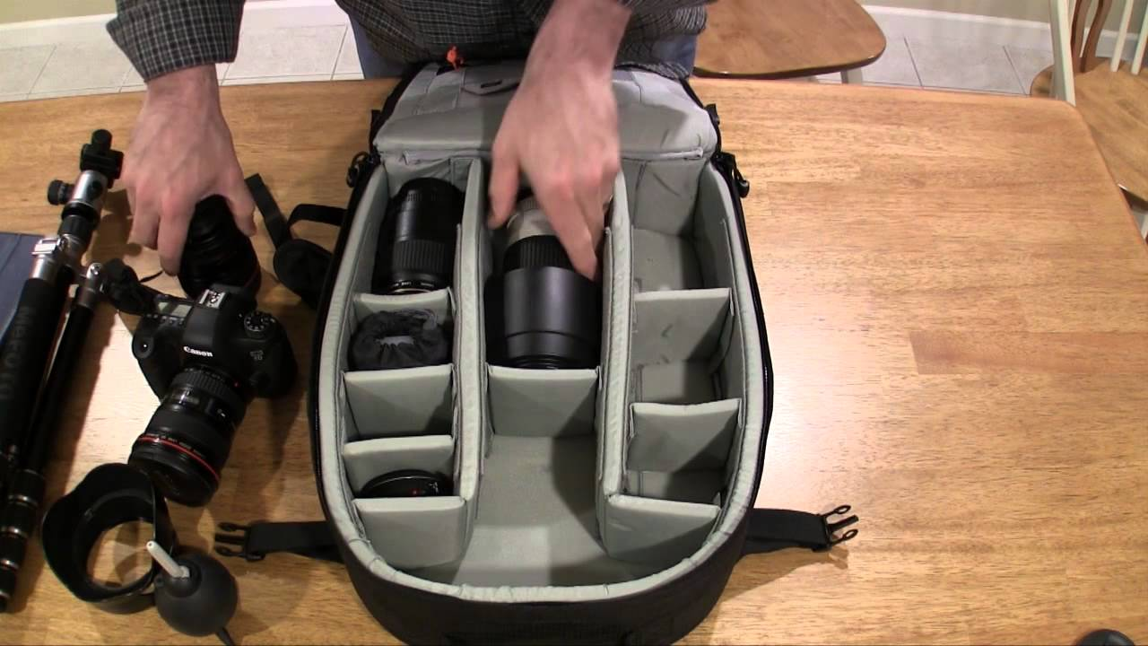 Whats In My Bag Lowepro Pro Runner 300 Aw Youtube Flipside