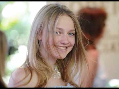 Annasophia Robb Dakota Fanning Look Alike