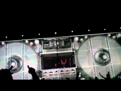 Godskitchen Boombox Intro with W&W at 420 Fest 2011
