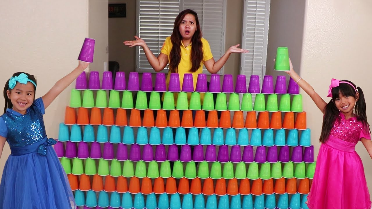 Emma Jannie Pretend Play Fun Stacking Giant Cup Wall