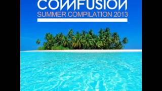 COMR100 31 Aleeg & Fhaken - Grooving Day (Original Mix)