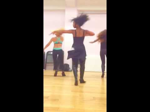 Asia Nitollano dances