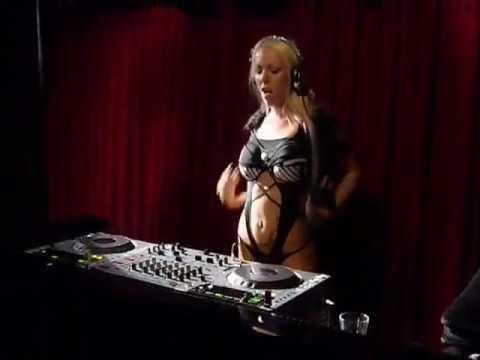 Ella Mai - Naked (DJ Lenny Remix) - YouTube