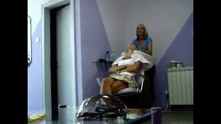 Repeat youtube video Sexy woman shampooing @ salon DUO