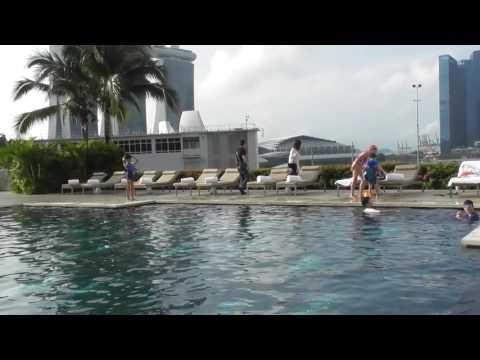 Swimming Pool at the Mandarin Oriental Hotel Singapore