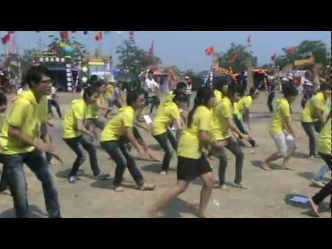 """Thi dân vũ quốc tế """"Múa Gối"""" - Đợt 2 (Hội trại trường THPT Thái Phiên 2012)"""