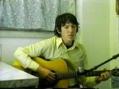 Клип Elliott Smith - Between the Bars