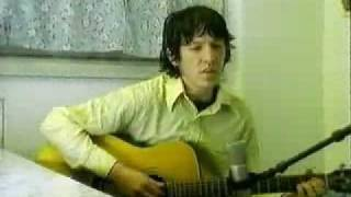 Watch Elliott Smith Between The Bars video