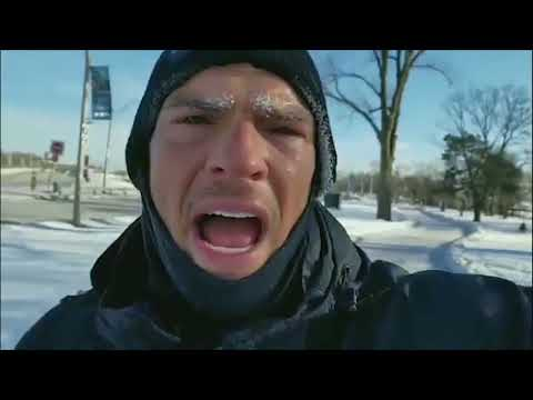 Alan Ritchson funny run at 27º around Toronto :D