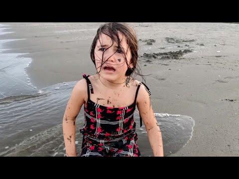 Lina Çok Kötü Bir Rüya Gördü Çok Korktu | Eğlenceli Çocuk Videosu