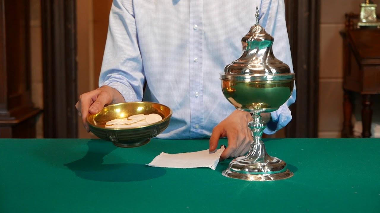 Come Servire La Messa.Corso Chierichetti Capitolo 1 Oggetti Della Messa Youtube