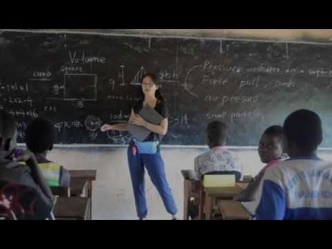 Chinese students volunteer in Africa to help their chances o