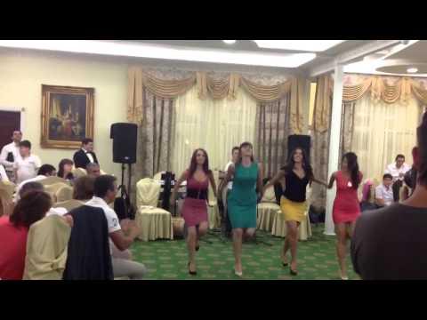 русский  песни  катюша. Армяно-русский танец -