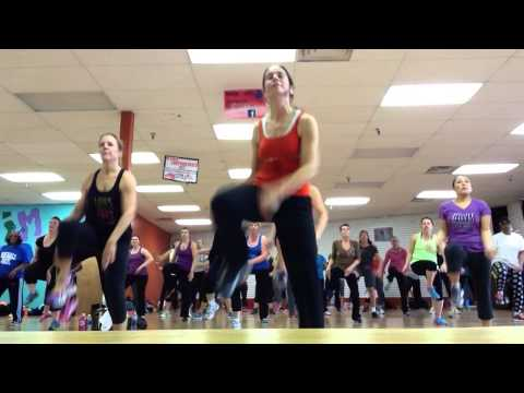 "Zumba with Rachel Pergl ""Come Get It Bea"" Pharrell Williams"