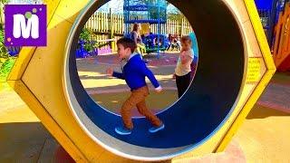 ВЛОГ Макс Набил шишку Пукающий слон и Тарзанка с Чипсами Надувная Супер горка Giant Inflatable Slide