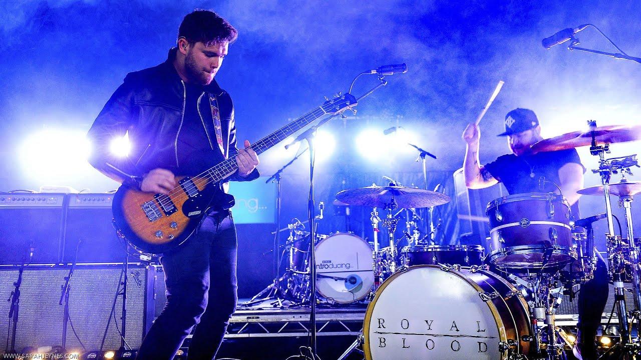Royal Blood - Come On Over (Radio 1's Big Weekend 2014) - YouTube