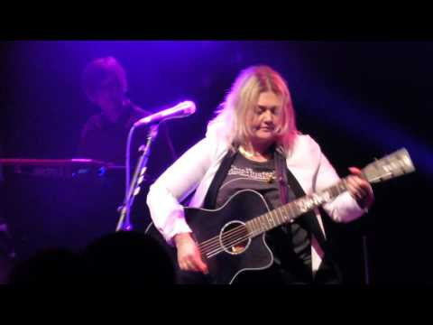 Elle King - Ex's And Oh's - Live at The Fillmore in Detroit, MI on 10-30-16