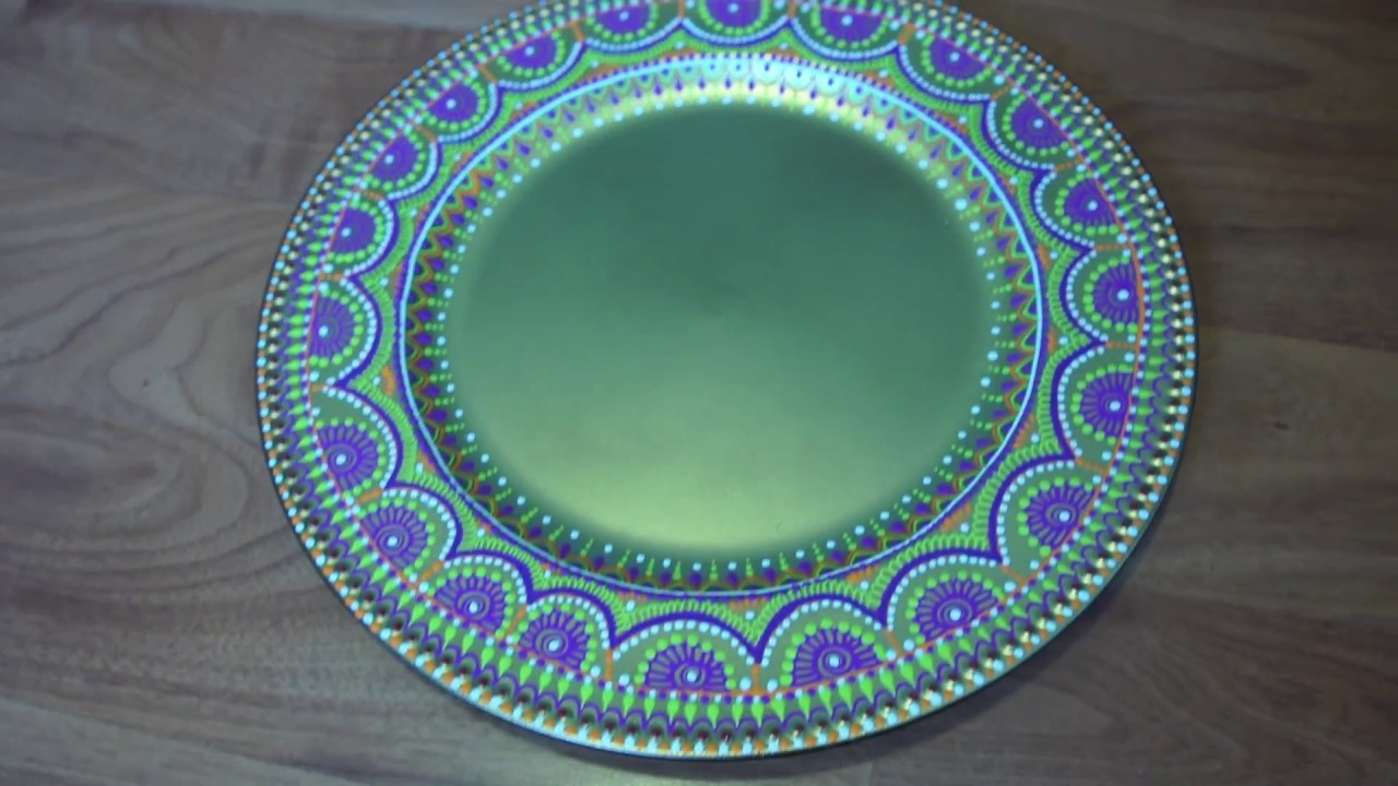 How To Decorate A Charger Plate With Henna Designs Using