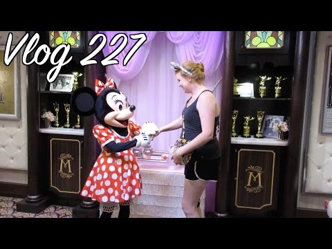 JOEY MEETS MINNIE! | Vlog 227 : May 16, 17, 18, 19, 2014