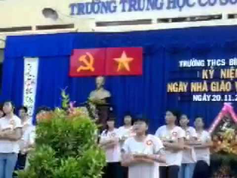 hoat dong 20/11/2013 tai THCS Binh Chieu