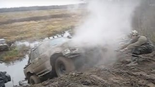 Toyota Hilux Off road Extreme 4x4 Compilation 2016