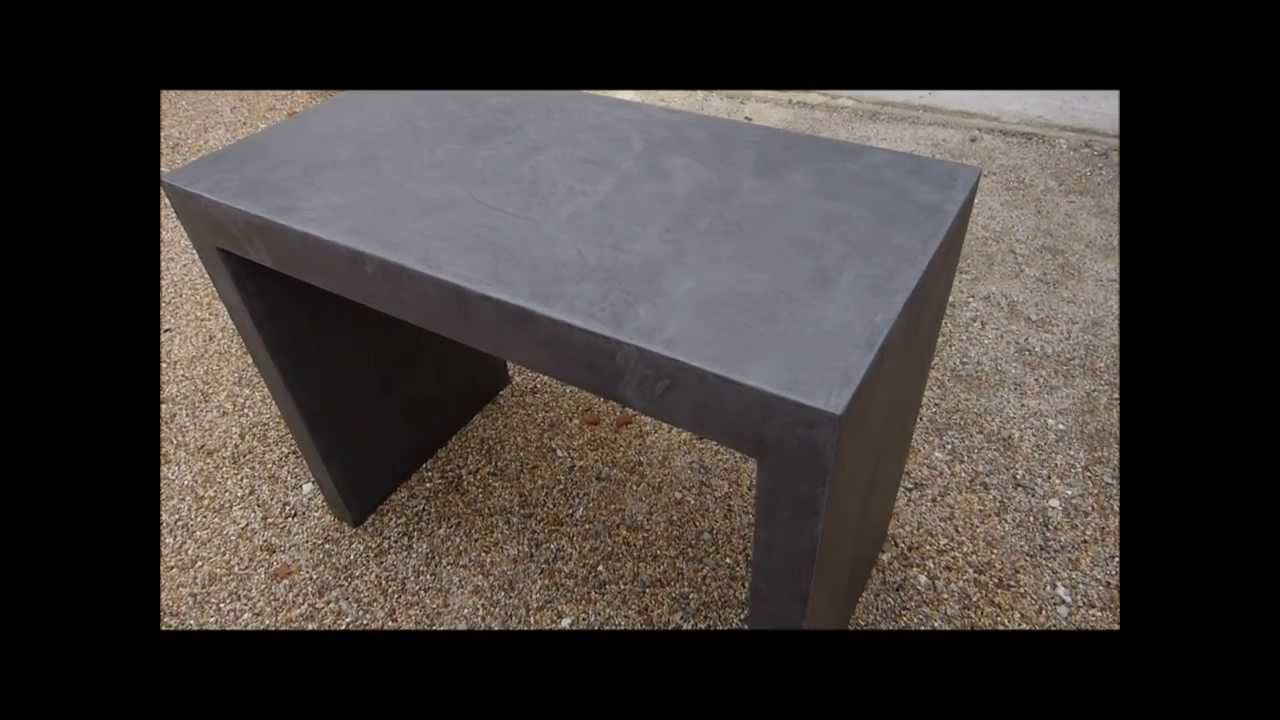 Application d 39 un b ton cir mati res min rales sur meuble en m dium you - Fabriquer une table en beton ...