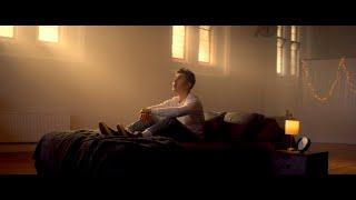 Смотреть клип Liam Ferrari - King Size Bed
