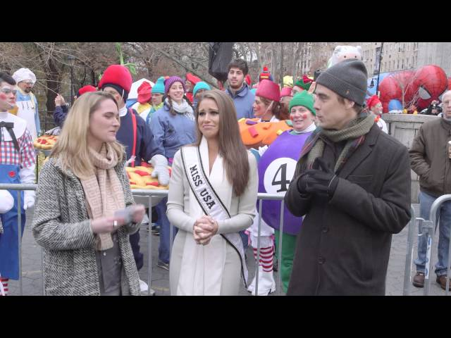 Pat and Jena Bother Celebs At The Macy's Parade