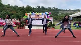 Download lagu Bergek Ngedance UTM Malaysia Love Me MP3
