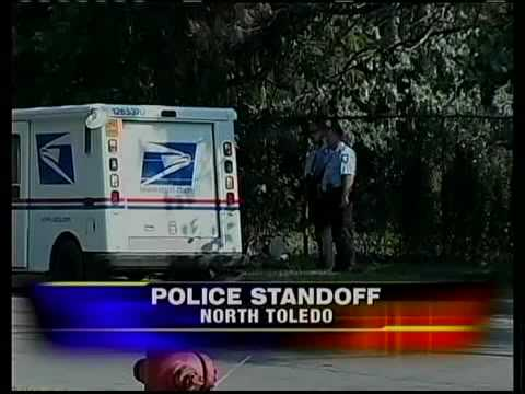 Man shoots self in front of police