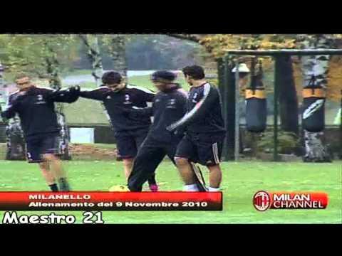 Ronaldinho Funny Training [ Imitating Ibrahimovic ] With Robinho Pato T.Silva - 09/11/2010