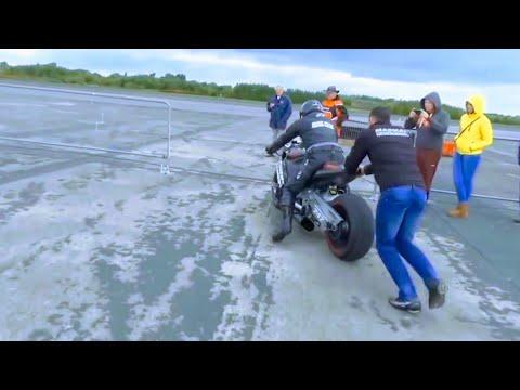 Así suena y corre una moto con motor de HELICÓPTERO