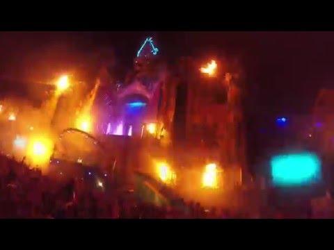 Steve Aoki live at Tomorrowland 2015