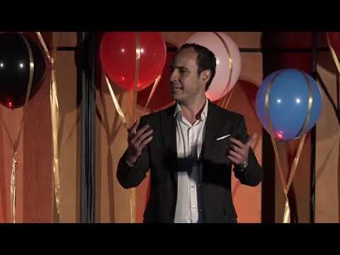 Cambiar de cancha | Juan Sebastián Ruales | TEDxCESA