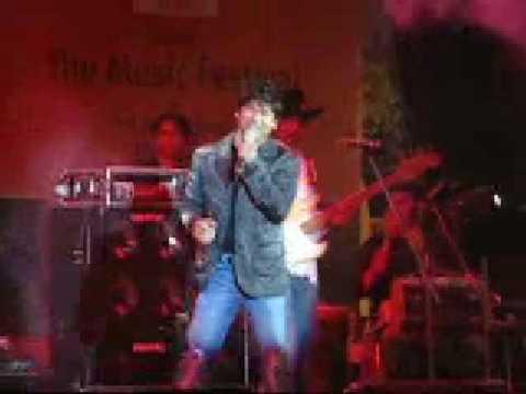 4 Aao Milo Chalen-Shaan live performance-Kala Ghoda Festival