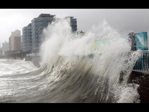 """Мощный тайфун """"Гони"""" достиг Приморья.В эпицентре циклона — Владивосток."""