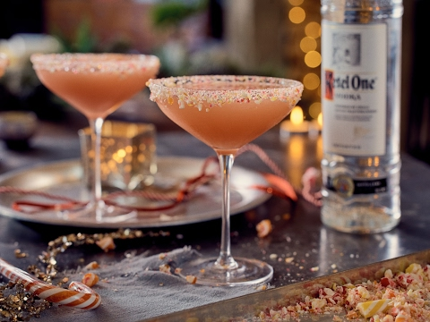 How To Make A Candy Cane Cocktail | World...